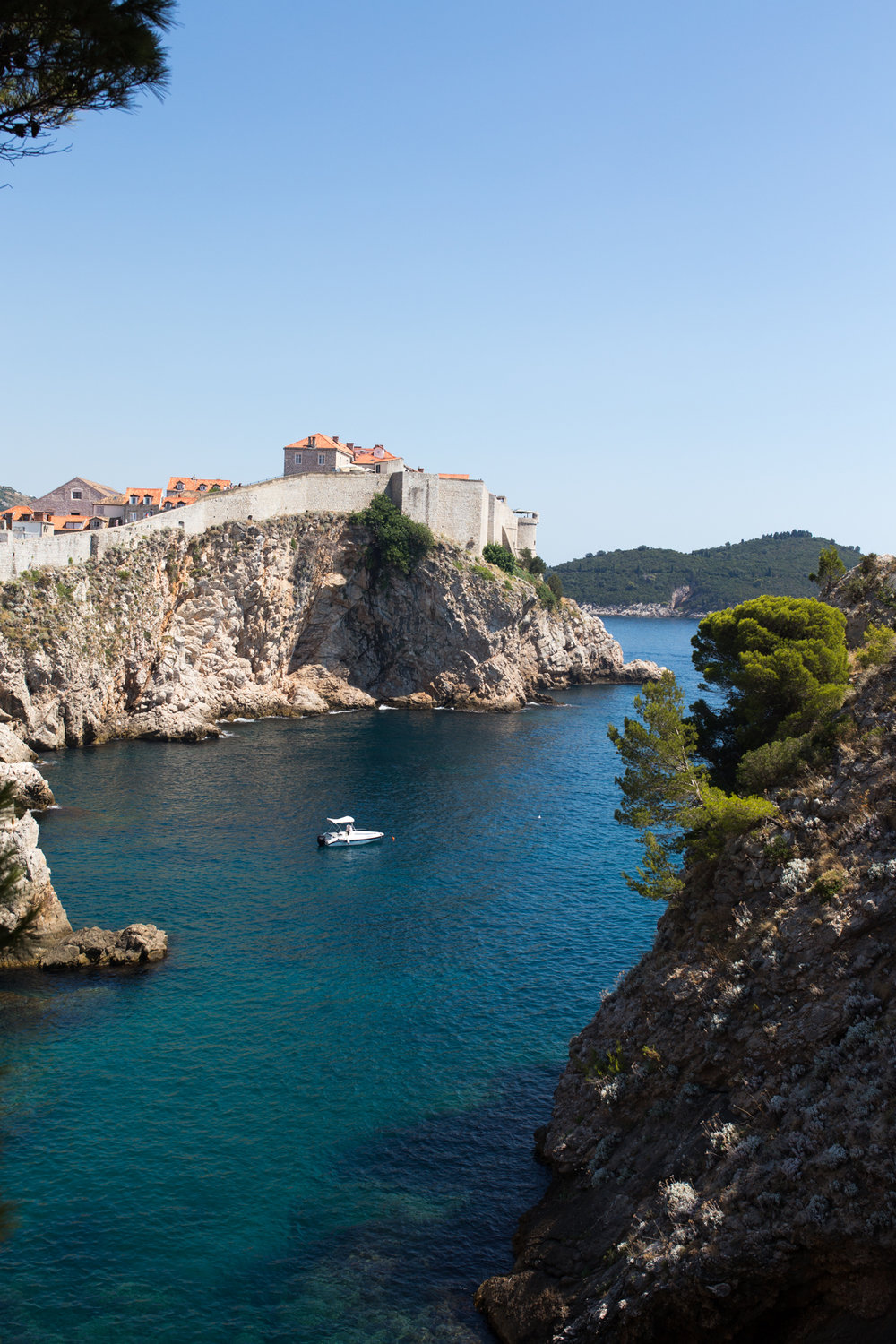 dubrovnik-croatia-dubrovnik hidden spots-dubrovnik beaches-cliff diving in dubrovnik-cliff diving in croatia-arose travels-alina mendoza-9606.jpg