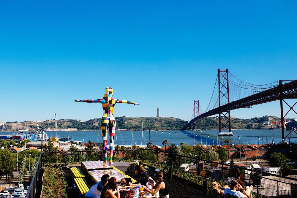 lisbon-lisboa-portugal-alina mendoza-alina mendoza photography-arose travels-lisbon travel-4059.jpg