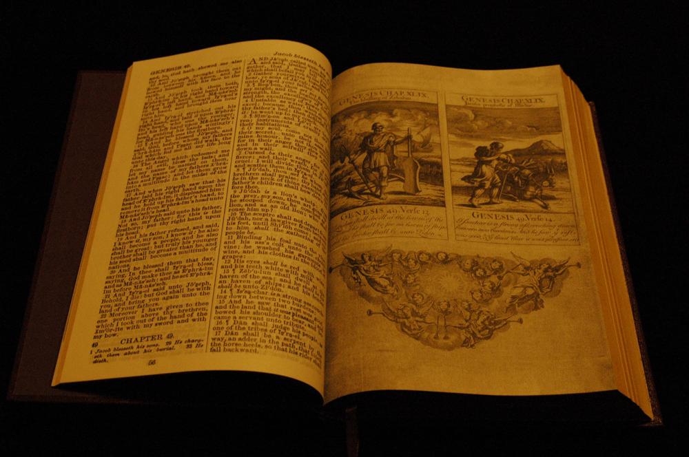 George-Washington-Inaugural-Bible-03.png