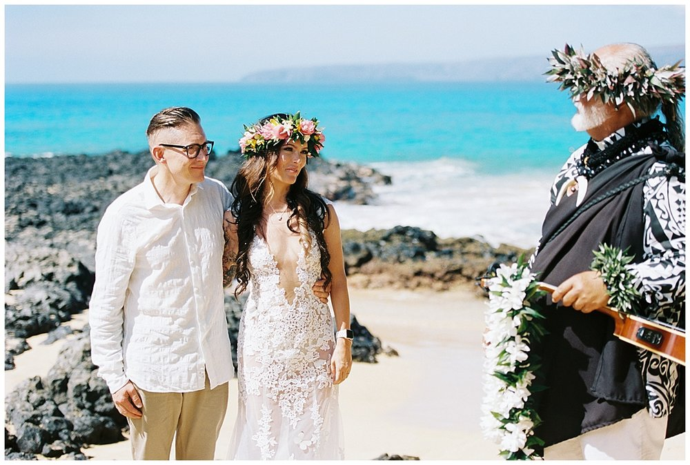 Secret Beach Elopement_0003.jpg