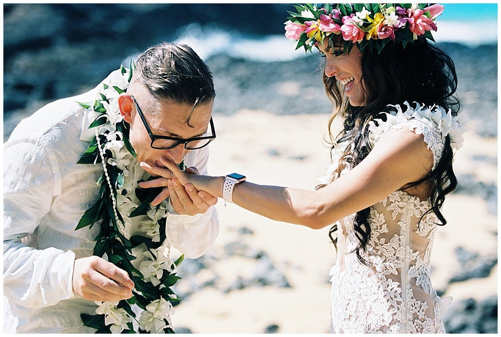 Secret Beach Elopement_0011.jpg