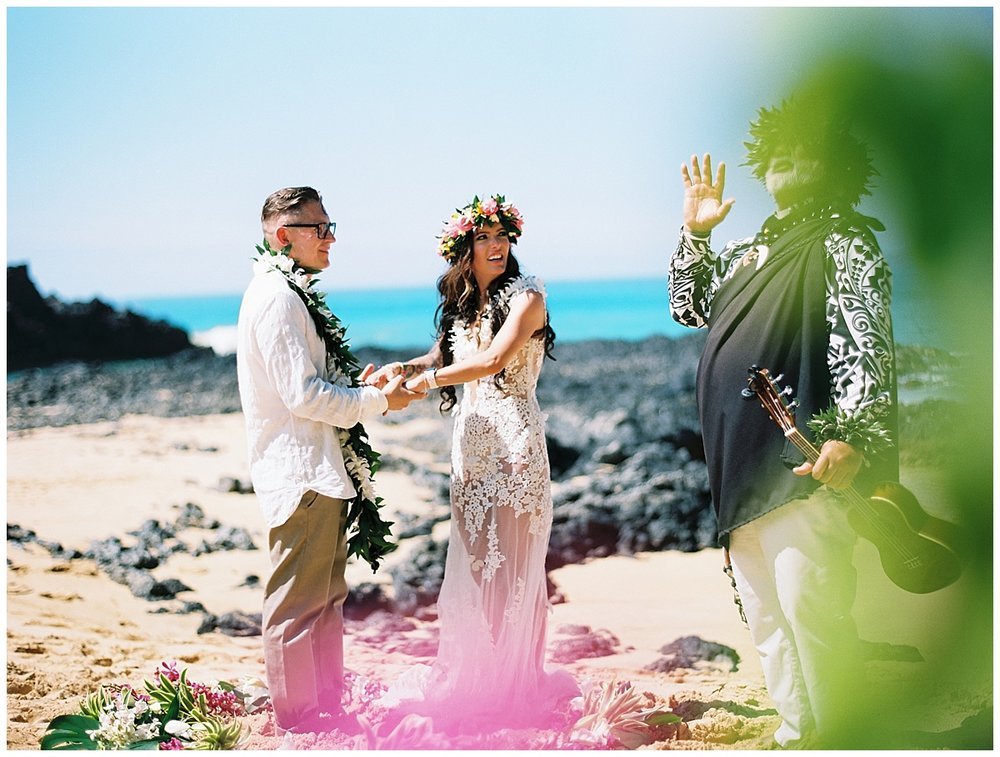 Secret Beach Elopement_0018.jpg
