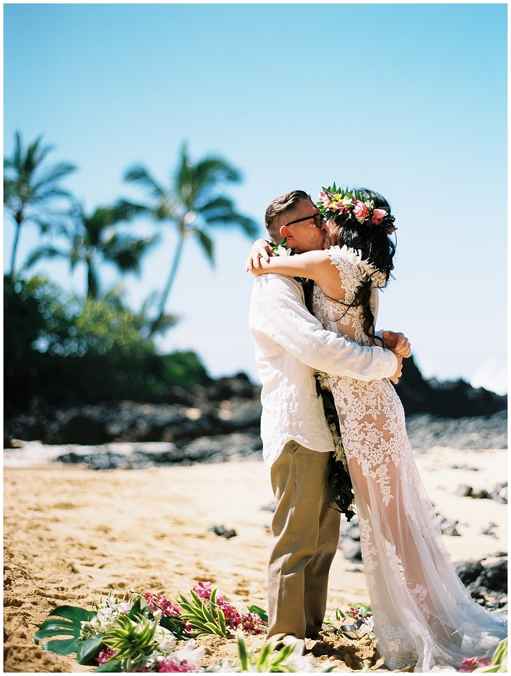 Secret Beach Elopement_0022.jpg