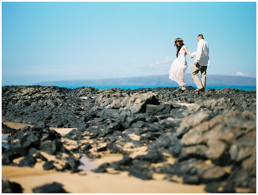 Secret Beach Elopement_0027.jpg