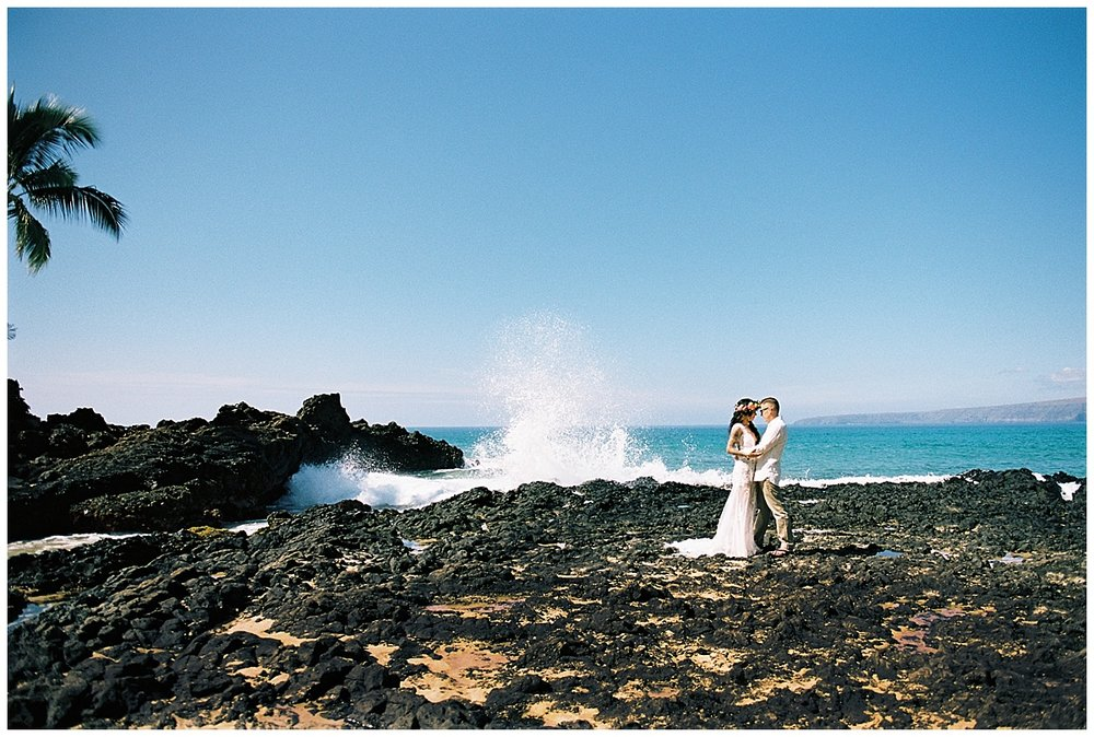 Secret Beach Elopement_0042.jpg