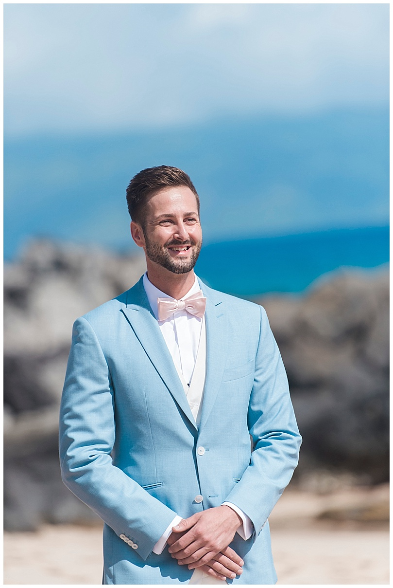ironwoods-beach-elopement-maui-groom-seeing-bride-first-time