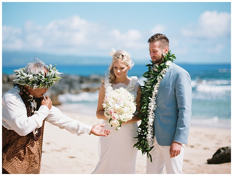 ironwoods-beach-elopement-maui-hawaiian-wedding-ceremony