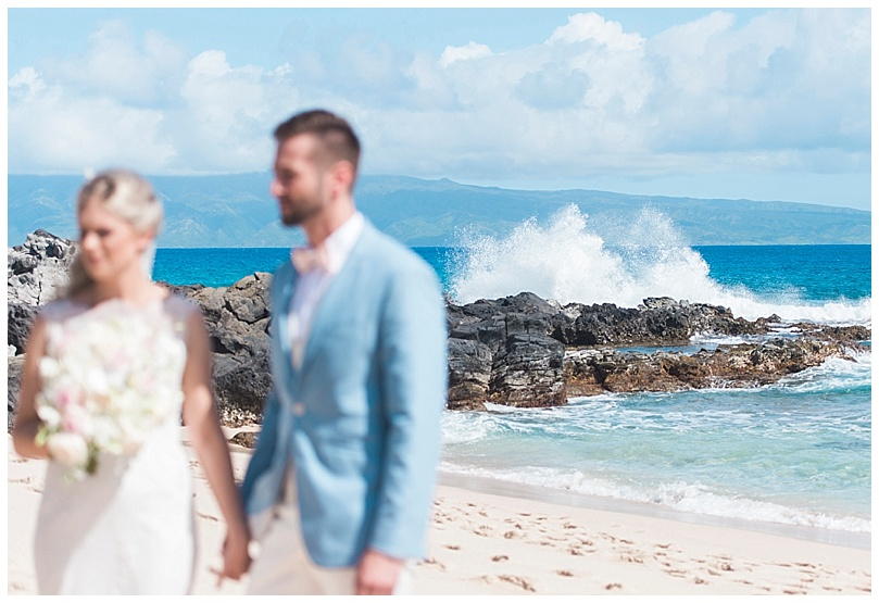 ironwoods-beach-elopement-maui-waves-crashing-ceremony