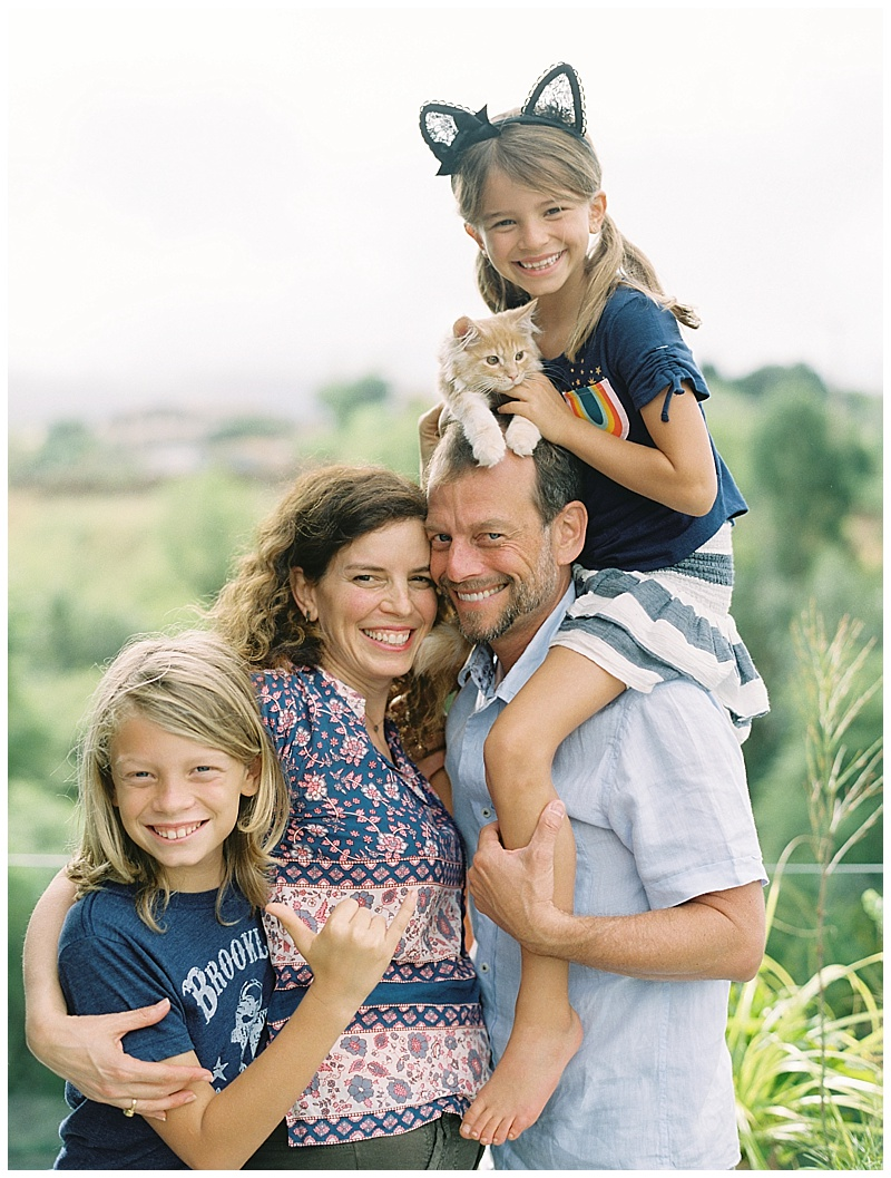 maui-family-photographer-magic-family-plus-kittens_0012.jpg