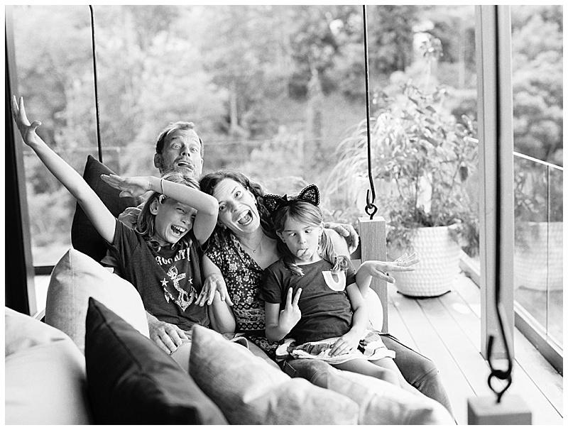 maui-family-photographer-magic-family-plus-kittens_0014.jpg