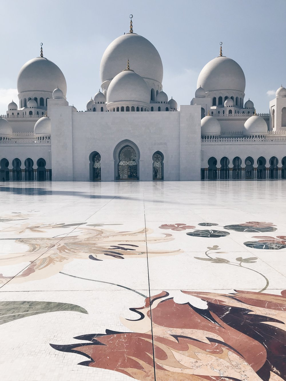 THE SHIEKH ZAYED GRAND MOSQUE -