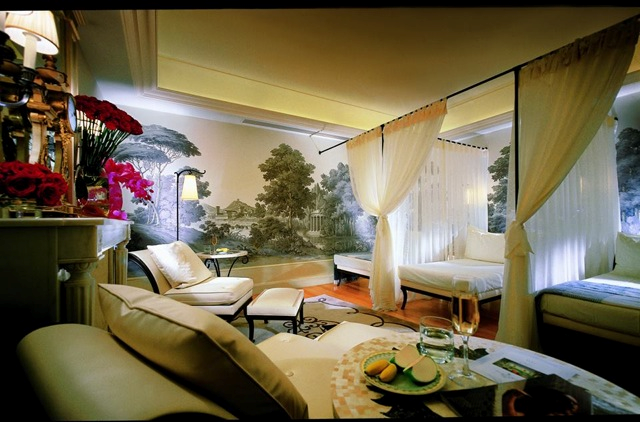 Photo Credit: Four Seasons Hotel George V Paris