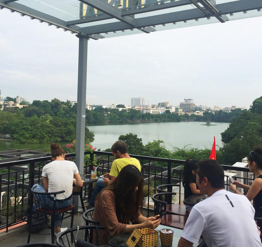 18_Hanoi_cafe01.jpg