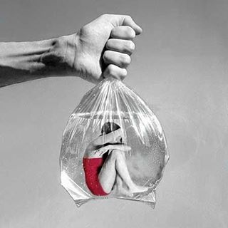 There is no worse feeling than being stuck. Plastic is a huge part of our worlds pollution. Make a change, choose sustainability. It's up to you to open up a path to change the future. #nolongerstuck #change #bethechange #makeadifference #itsnothard #think #care #noplastic #sustainability #ourworld