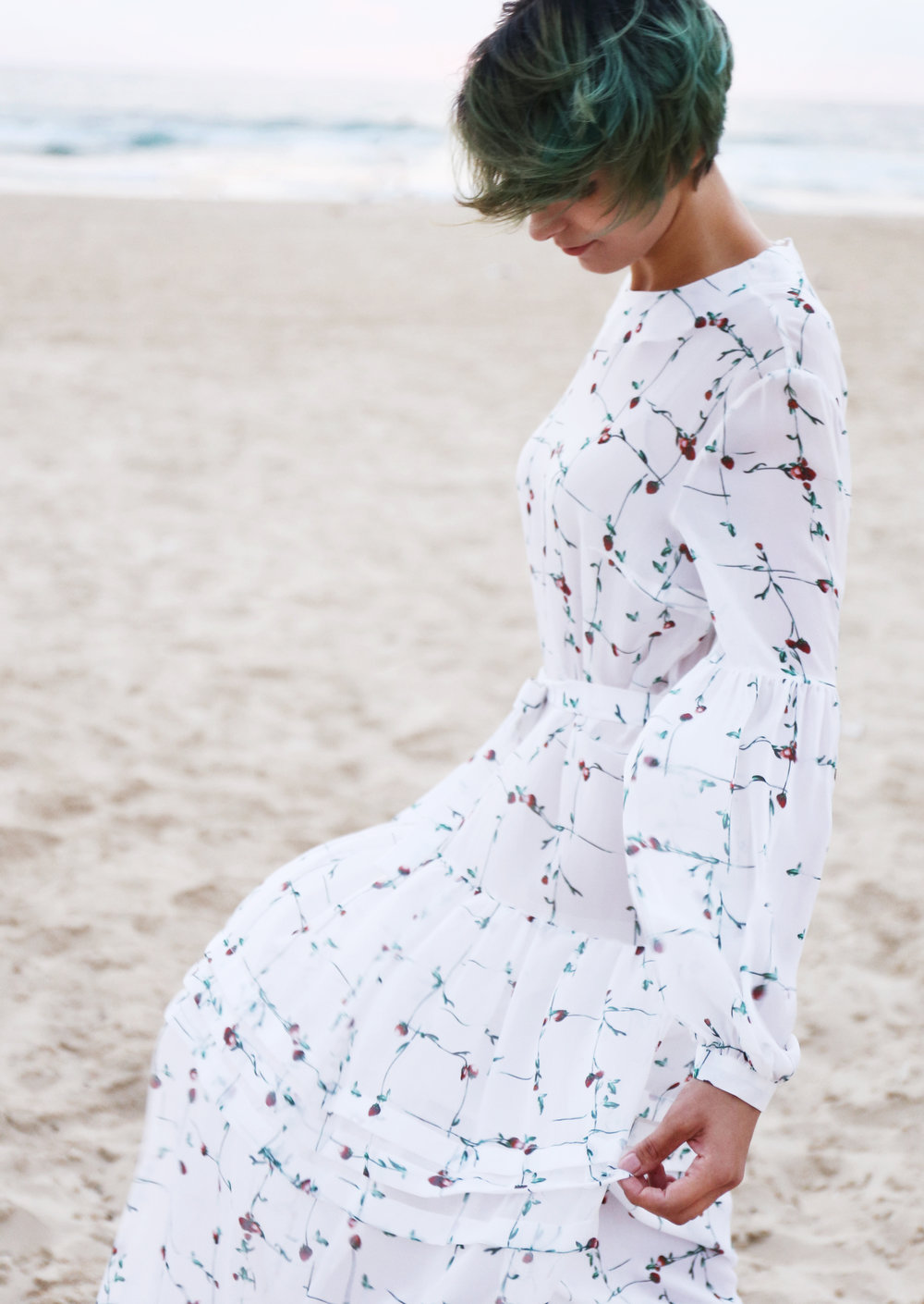 MOST WANTED - Delicate prints delivered to you in lightweight silk chiffon. Eternal style for the summer of your dreams.