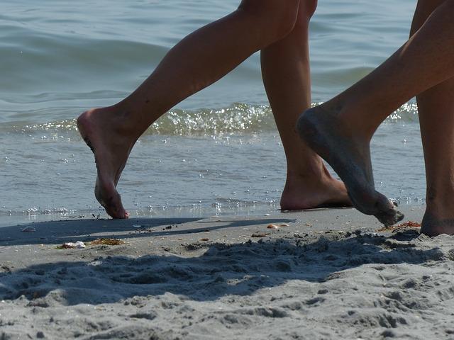 feet-2683898_640.jpg