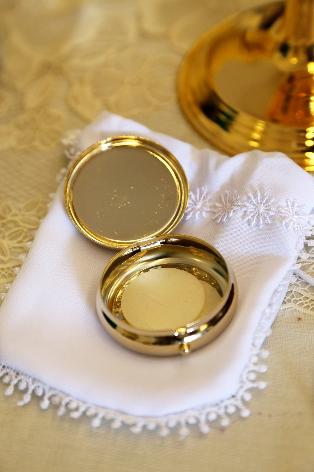 Pyx holding the body of Christ
