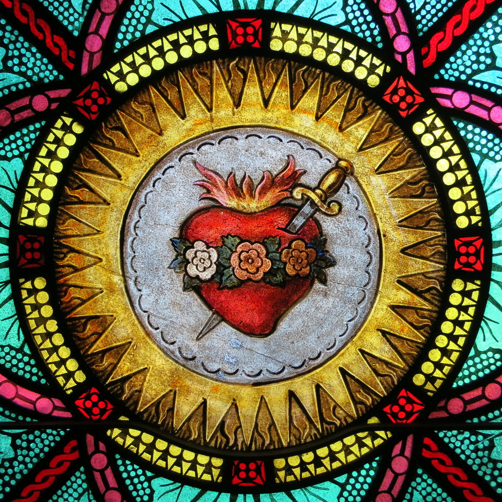 WIKI-All_Saints_Catholic_Church_(St._Peters,_Missouri)_-_stained_glass,_sacristy,_Immaculate_Heart_detail.jpg