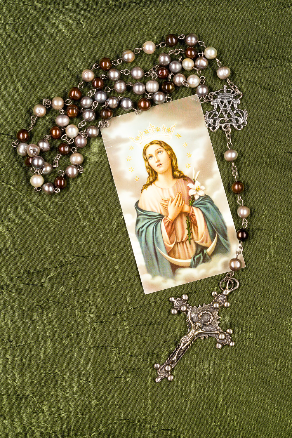 Pearl Rosary and Mary Prayer Card