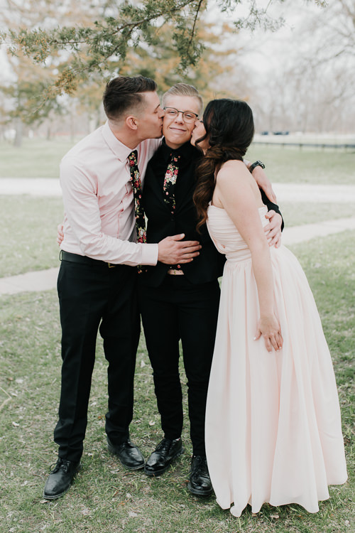 Alex & Ashley - Married - Nathaniel Jensen Photography - Omaha Nebraska Wedding Photography - Omaha Nebraska Wedding Photographer-153.jpg