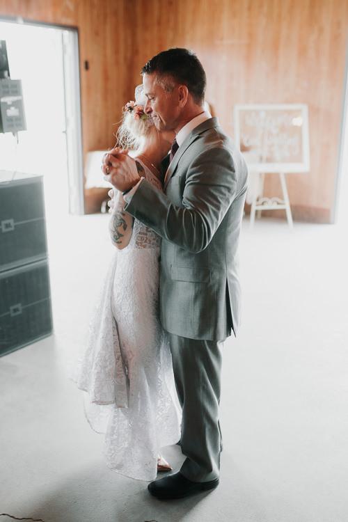 Alex & Ashley - Married - Nathaniel Jensen Photography - Omaha Nebraska Wedding Photography - Omaha Nebraska Wedding Photographer-434.jpg