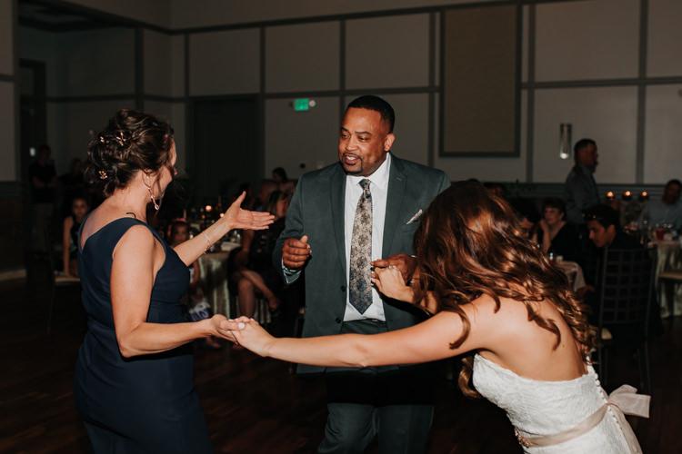 Jazz & Savanna - Married - Nathaniel Jensen Photography - Omaha Nebraska Wedding Photography - Omaha Nebraska Wedding Photographer-465.jpg