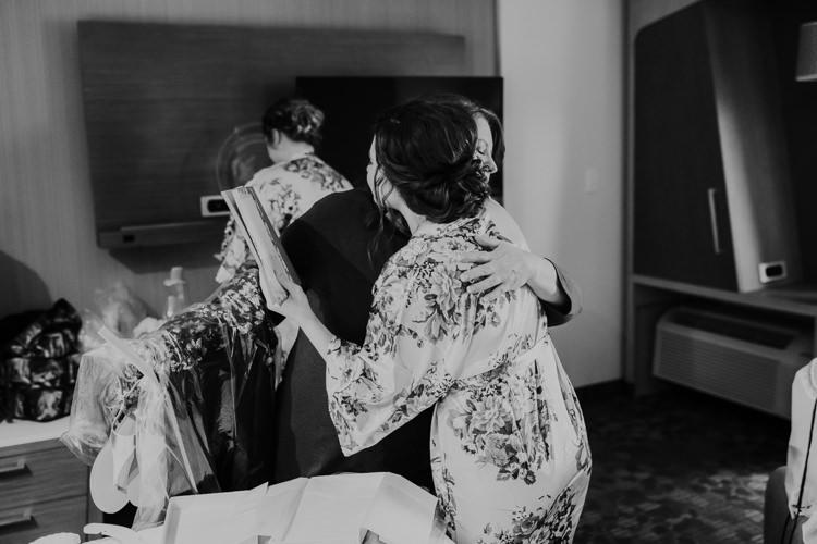 Heather & Drew - Married - Nathaniel Jensen Photography - Omaha Nebraska Wedding Photograper - Falconwood Park - Bellevue Nebraska-70.jpg