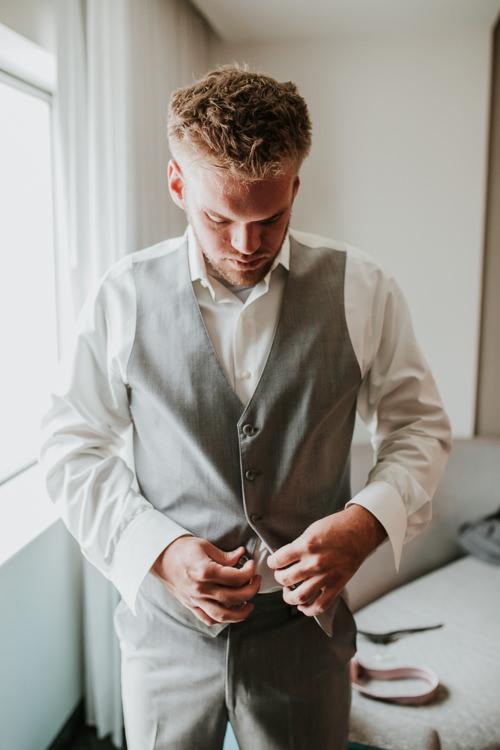 Heather & Drew - Married - Nathaniel Jensen Photography - Omaha Nebraska Wedding Photograper - Falconwood Park - Bellevue Nebraska-95.jpg