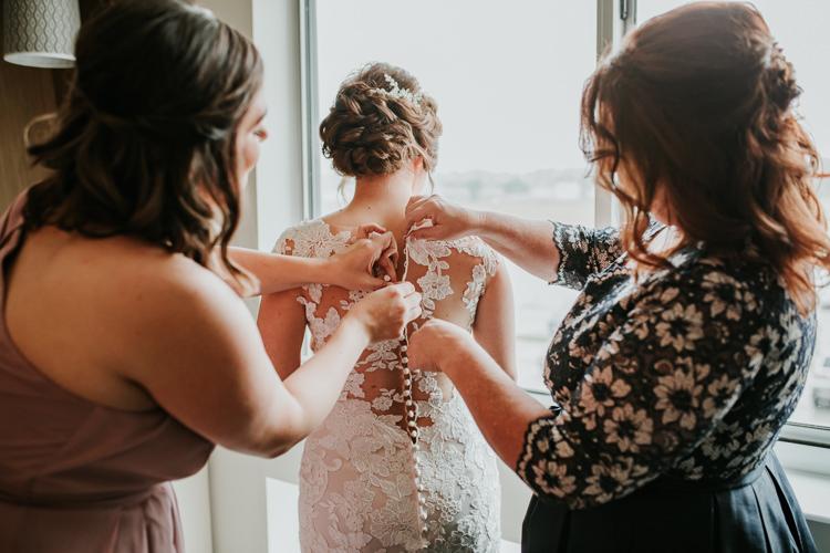 Heather & Drew - Married - Nathaniel Jensen Photography - Omaha Nebraska Wedding Photograper - Falconwood Park - Bellevue Nebraska-121.jpg