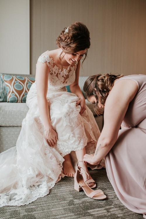 Heather & Drew - Married - Nathaniel Jensen Photography - Omaha Nebraska Wedding Photograper - Falconwood Park - Bellevue Nebraska-135.jpg