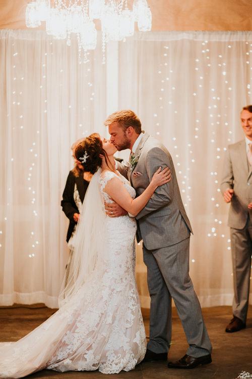 Heather & Drew - Married - Nathaniel Jensen Photography - Omaha Nebraska Wedding Photograper - Falconwood Park - Bellevue Nebraska-314.jpg