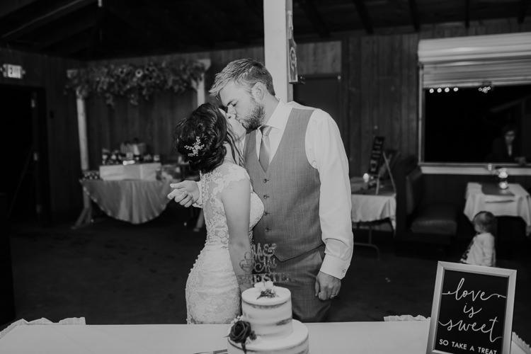 Heather & Drew - Married - Nathaniel Jensen Photography - Omaha Nebraska Wedding Photograper - Falconwood Park - Bellevue Nebraska-500.jpg