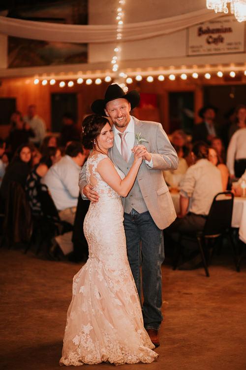 Heather & Drew - Married - Nathaniel Jensen Photography - Omaha Nebraska Wedding Photograper - Falconwood Park - Bellevue Nebraska-522.jpg