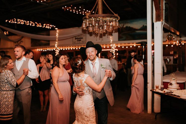 Heather & Drew - Married - Nathaniel Jensen Photography - Omaha Nebraska Wedding Photograper - Falconwood Park - Bellevue Nebraska-556.jpg