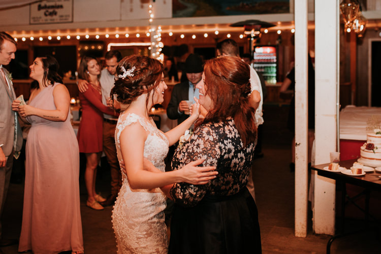 Heather & Drew - Married - Nathaniel Jensen Photography - Omaha Nebraska Wedding Photograper - Falconwood Park - Bellevue Nebraska-563.jpg