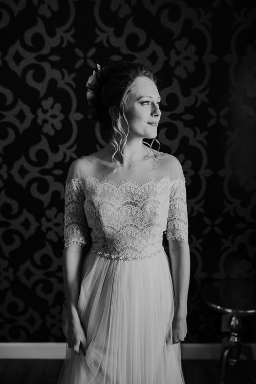Sydney & Thomas - Married - Nathaniel Jensen Photography - Omaha Nebraska Wedding Photograper - Joslyn Castle - Founders One Nine - Hotel Deco-89.jpg