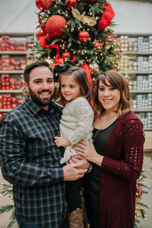 The Muckey Family - 2018 - Nathaniel Jensen Photography - Omaha Nebraska Wedding Photograper - Omaha Nebraska - Mulhall's Family Photography Session-4.jpg