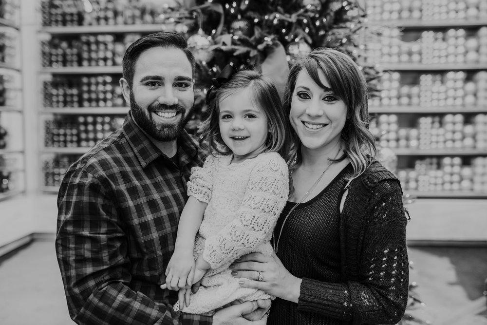 The Muckey Family - 2018 - Nathaniel Jensen Photography - Omaha Nebraska Wedding Photograper - Omaha Nebraska - Mulhall's Family Photography Session-10.jpg