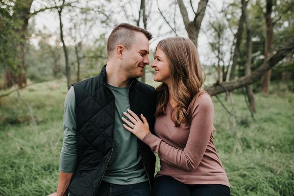 Paige__Nick_-_Engaged_-_Nathaniel_Jensen_Photography_-_Omaha_Nebraska_Wedding_Photographer-69_600x400.jpg
