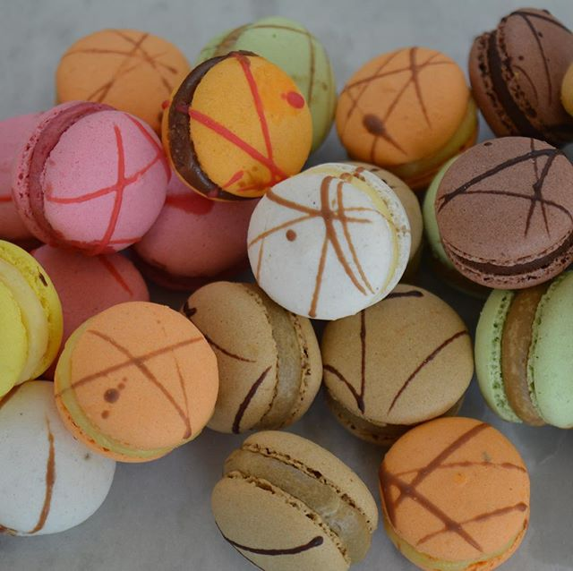Mini petite macaroons #macaroons #functions #desserts #catering #grazingtables #dessertbuffet #sweetthooth