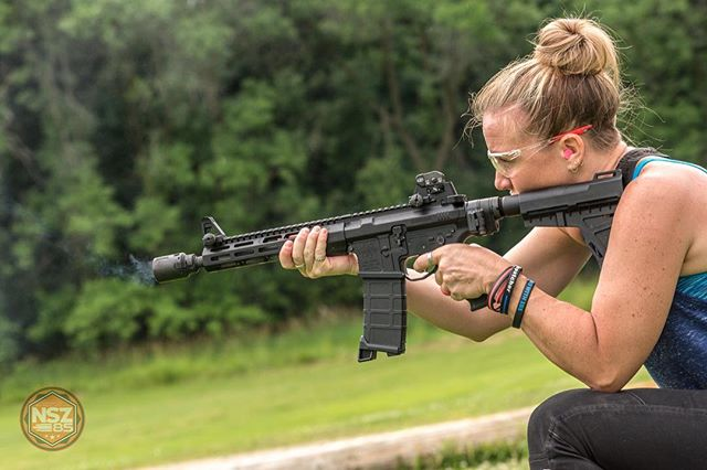 Smokin' 😉 ••••••••••••••••••••••••••••••••••••••••••••••••••••• Lefty: @kellyjo534 ••••••••••••••••••••••••••••••••••••••••••••••••••••• #nsz85 #ar15 #ar15news #gunfanatics #ar15goa #igmilitia #brownells #photooftheday #weaponsdaily #gunsdaily #gunsdailyusa #gunpics #merica #ddub_militia #firearms #dailybadass #firearmphotography #sickguns #sickgunsallday #weaponsfanatics #slickguns_feature #dailydefense