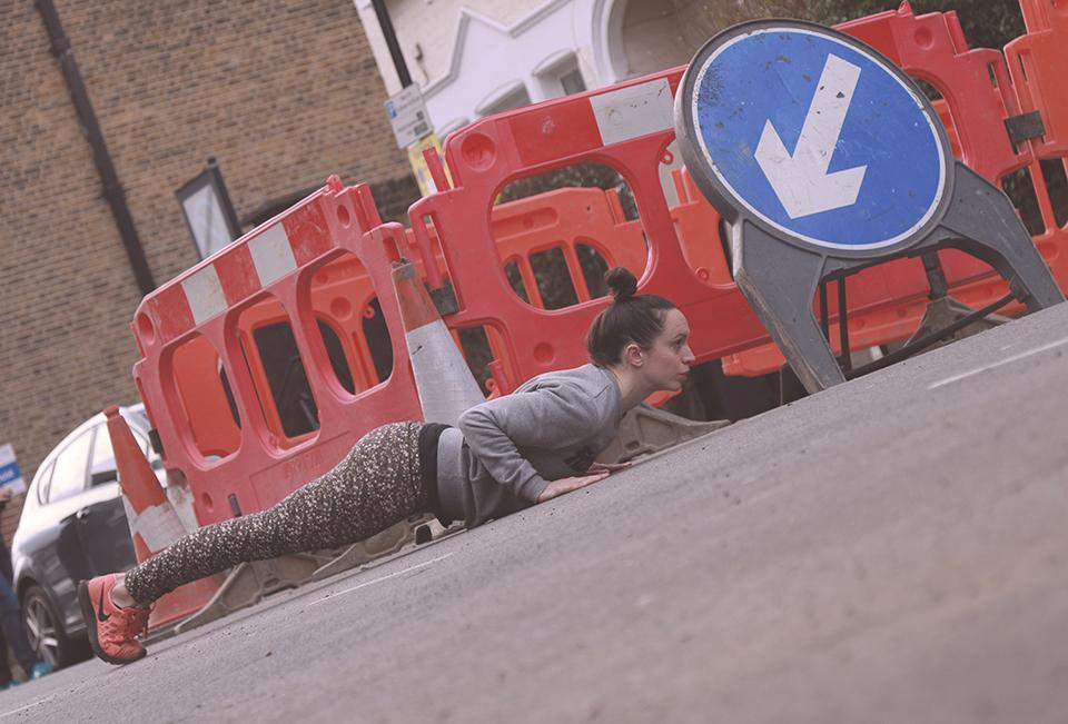 no_gym_no_problem_frankie_holah_fizzYcaL_pushups-2.jpg