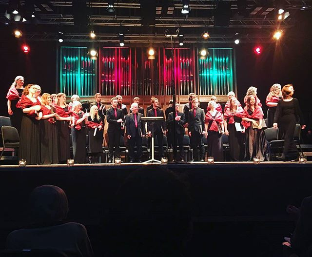 That's a wrap on our Christmas programme! Two sell-out nights and we couldn't be happier! Thanks to @dada_124 for this shot of the end of Wednesday's concert! . . . . #madrigal75 #music #cork #magical #choir #choral #csm