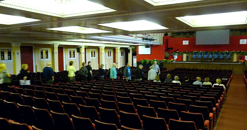 …and into the auditorium where guests were treated to a talk by the then-manager, the very affable Peter Brennan. We were not allowed onto the stage this time as the Northern Sinfonia had all their Marshall stacks set up.