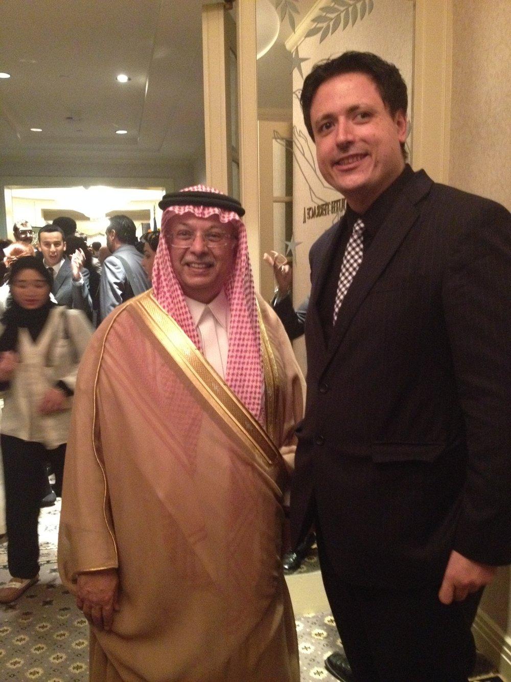 At a reception hosted by UN Ambassador from Saudi Arabia Abdallah bin Yahya Al-Mouallimi.  サウジアラビア国連大使と。