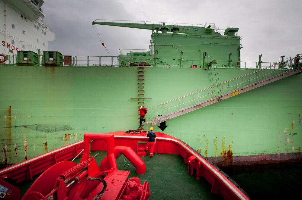 LOSTRANSPORT: Med mange losoppdrag og tett program for losbåten, som er stasjonert i Langesund, er en av oppgavene å ta med los Tom Tomassen tilbake.