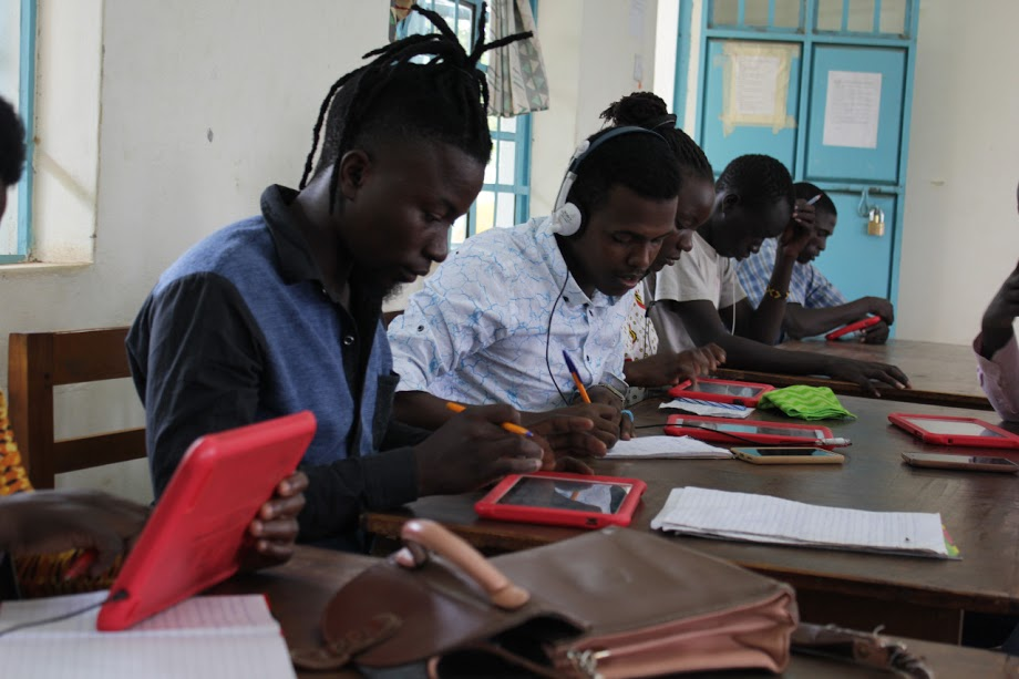 Sky School students at work at Kakuma Camp (Kenya).