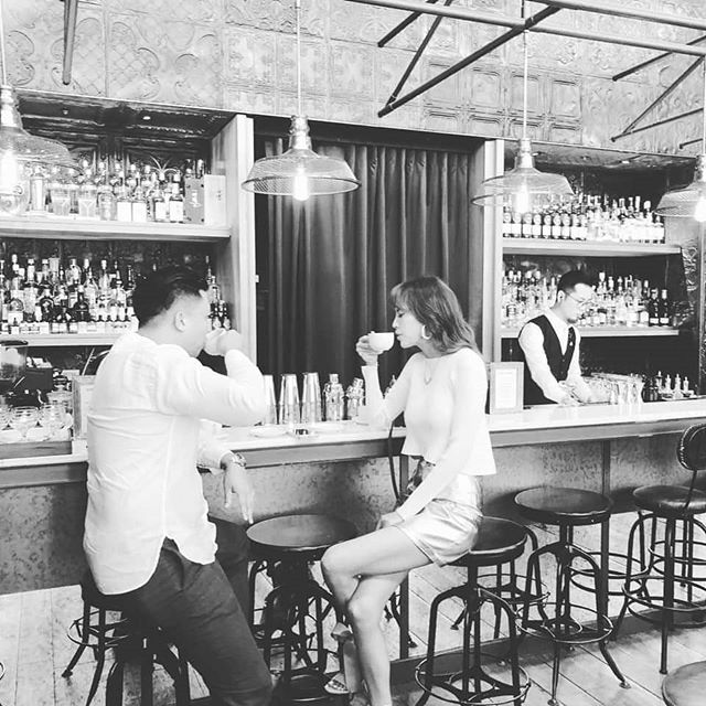 [Gemit ft. 品牌]- 時光井好 Gemit x 研磨膠原CapriColla x 東區East End Bar  碰撞出的火花 🍸🥃🥂🍰 . . 美照,下一秒就在手中欣賞~ Cheers 🍸😌💎 . . . #好照片#無限列印 #派對神器 #品牌活動 #行銷好手 #capricolla #goodshots #proteinshake #brandevent #igprinter #chicas #ladiesfun #eastbar #taipeiparty  #eventtools #eventideas #goodmoments #selfies #snap #bartender  #taipeievent #cocktail #eventprinting #capricollaxmas #xmasphotos #hightea