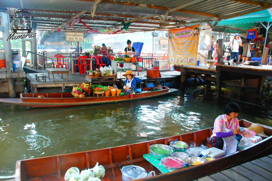 Adriana Kruzovi - Taling Chai, Thailand 2013