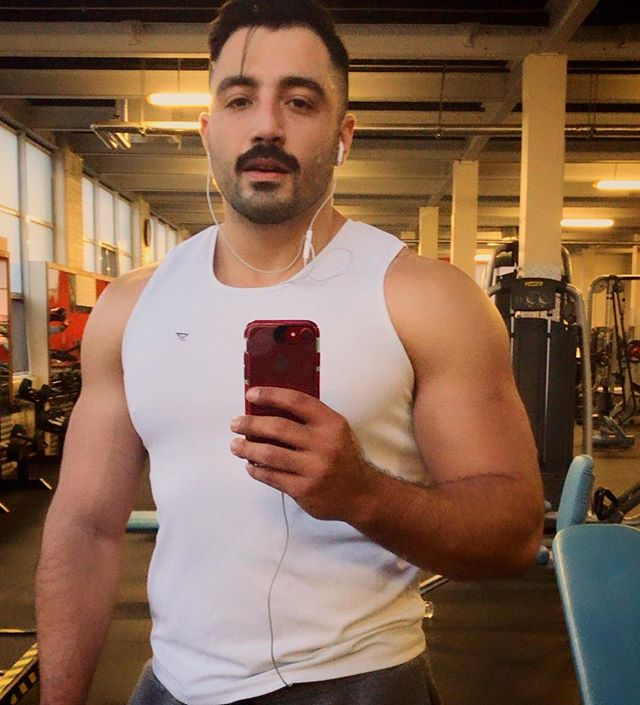 Today is __________ day! . . . . . . . #workout #gymmotivation #gym #gymshark #gymlife #humpday🐫 #thursday #selfie #selfie_time #mirrorselfie #justme #me #bendunnegyms #iphonesia #moustache #mustache #bulking #bulkingseason